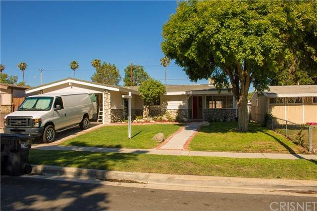 27509 Esterbrook Avenue, Canyon Country, CA 91351 (#SR21115117) :: The Parsons Team