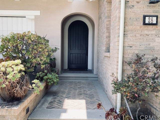 28 Fanpalm, Irvine, CA 92620 (#CV21114957) :: RE/MAX Empire Properties