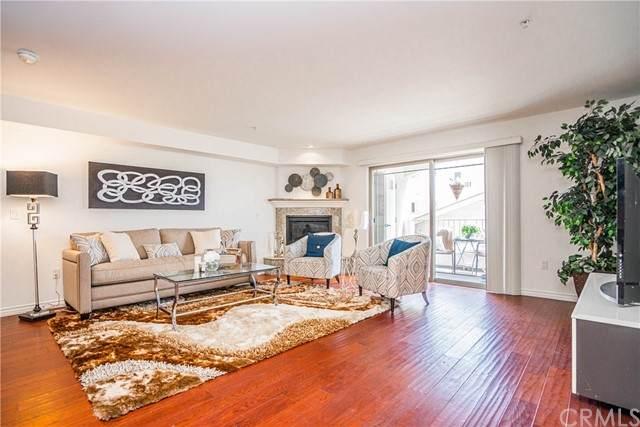4733 Elmwood Avenue #205, Los Angeles (City), CA 90004 (#PW21116939) :: Berkshire Hathaway HomeServices California Properties