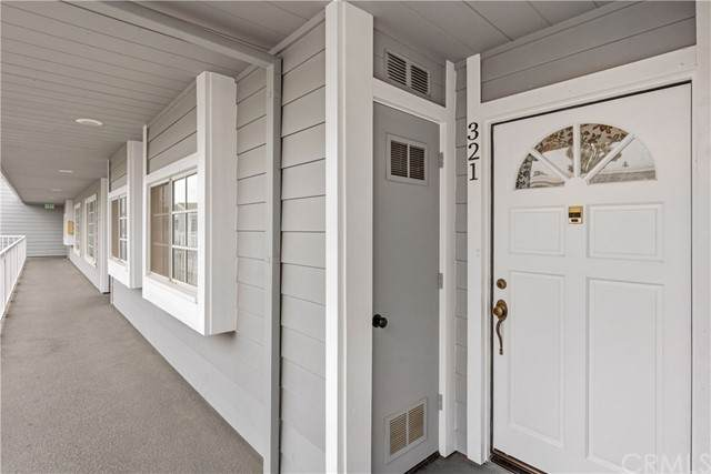 1418 Brett Place #321, San Pedro, CA 90732 (#SB21071579) :: Berkshire Hathaway HomeServices California Properties