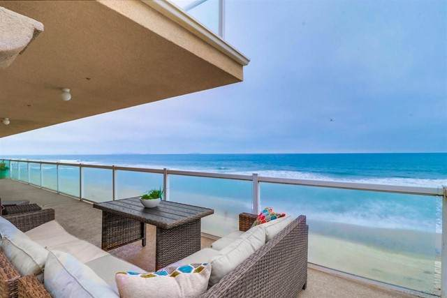 1456 Seacoast Dr 3D, Imperial Beach, CA 91932 (#210015268) :: Berkshire Hathaway HomeServices California Properties