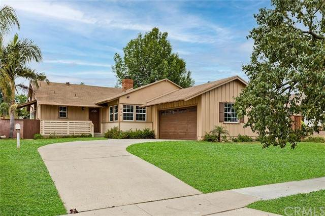 1034 W 10th Street, Corona, CA 92882 (MLS #CV21119699) :: Desert Area Homes For Sale