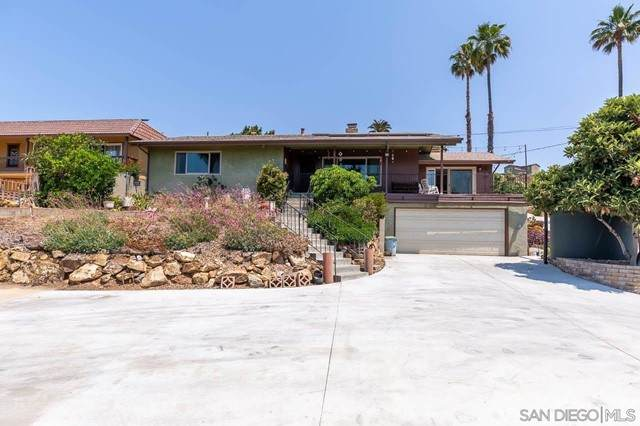 3848 Costa Bella Dr, La Mesa, CA 91941 (#210015406) :: Steele Canyon Realty