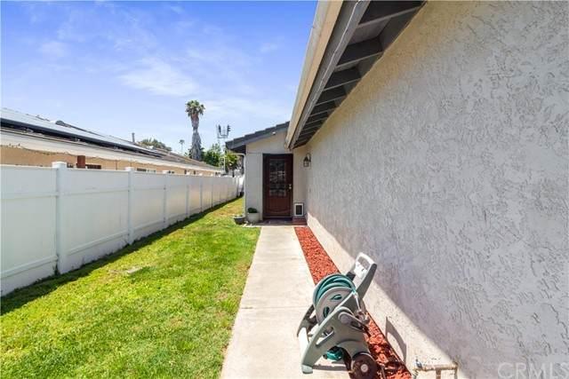 332 W Connecticut Avenue, Vista, CA 92083 (#OC21121763) :: Powerhouse Real Estate