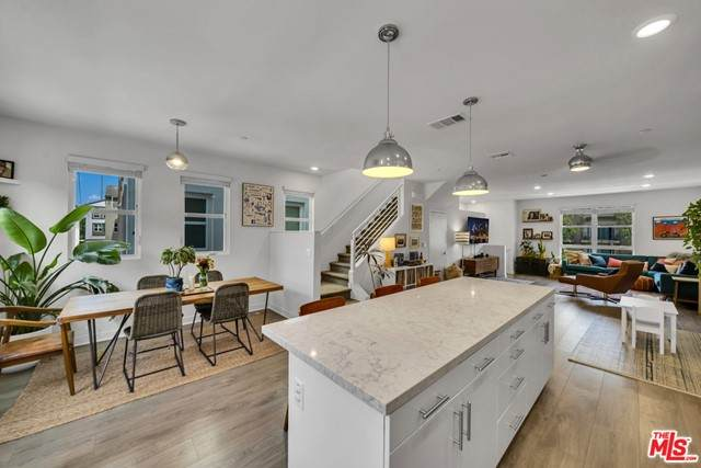 2700 E Chaucer Street #10, Los Angeles (City), CA 90065 (#21745758) :: Wahba Group Real Estate | Keller Williams Irvine