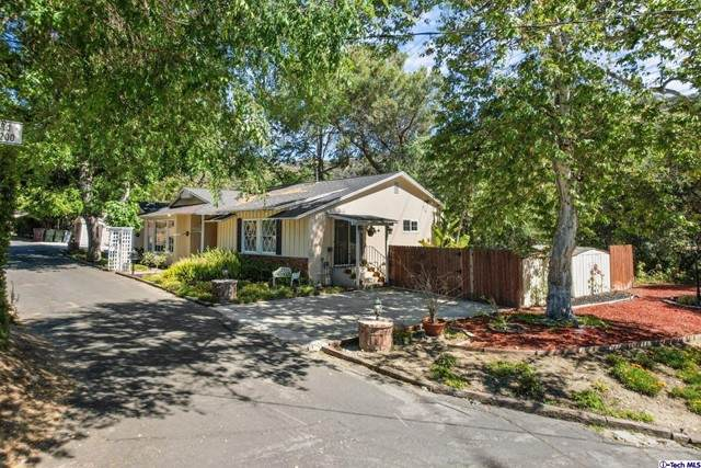 102 Coventry Place, Glendale, CA 91206 (#320006352) :: Wahba Group Real Estate | Keller Williams Irvine