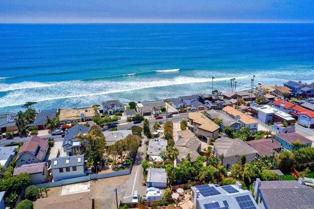 1467 Neptune Avenue, Encinitas, CA 92024 (#NDP2106587) :: Berkshire Hathaway HomeServices California Properties