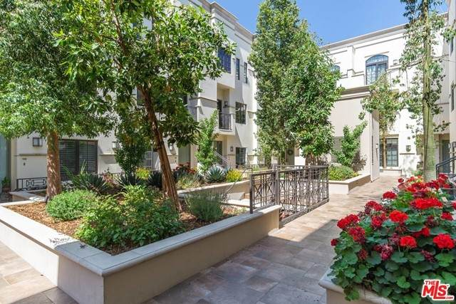 288 S Oakland Avenue #210, Pasadena, CA 91101 (#21747014) :: Wahba Group Real Estate | Keller Williams Irvine