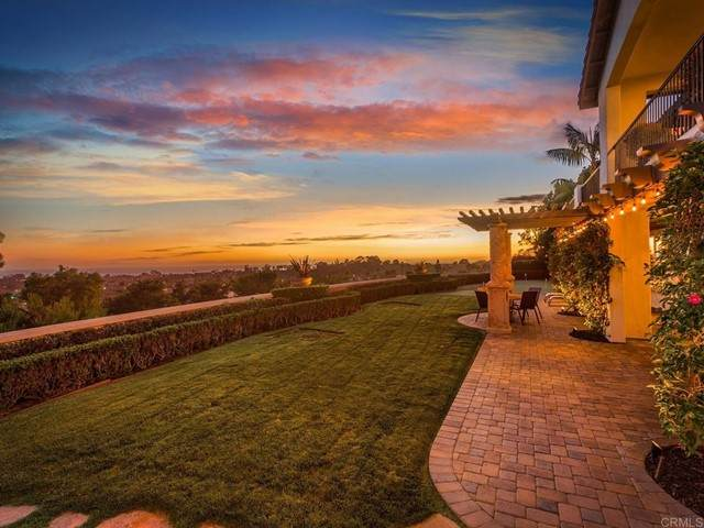 602 W Bluff Ct, Encinitas, CA 92024 (#NDP2106768) :: Powerhouse Real Estate