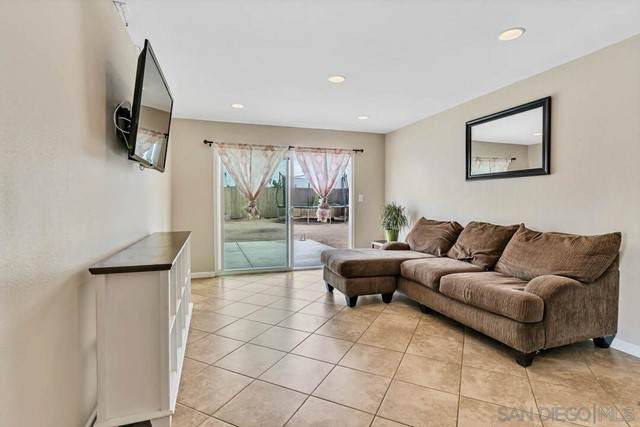 7461 Gatewood Ln, San Diego, CA 92114 (#210016290) :: Swack Real Estate Group   Keller Williams Realty Central Coast