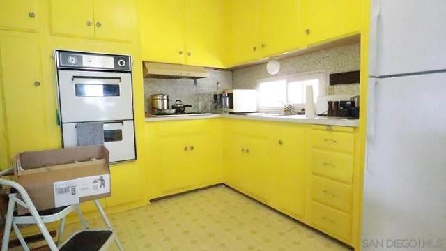 156 Robby Lane, Oceanside, CA 92054 (#210016311) :: Berkshire Hathaway HomeServices California Properties