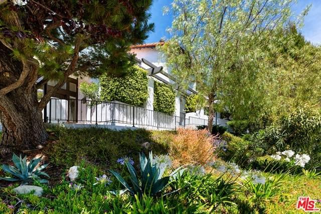 1543 Palisades Drive, Pacific Palisades, CA 90272 (#21747518) :: RE/MAX Empire Properties