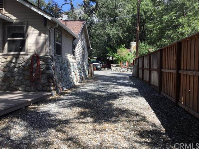 8 Oak Drive, Mount Baldy, CA 91759 (#PW21130092) :: Robyn Icenhower & Associates