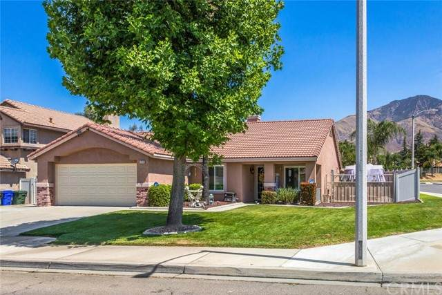 29346 Gold Buckle Road, Highland, CA 92346 (#EV21127997) :: RE/MAX Empire Properties