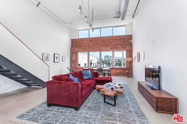 120 S Hewitt Street #12, Los Angeles (City), CA 90012 (MLS #21750164) :: Desert Area Homes For Sale