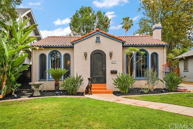 4057 Elmwood Court, Riverside, CA 92506 (#CV21131914) :: American Real Estate List & Sell