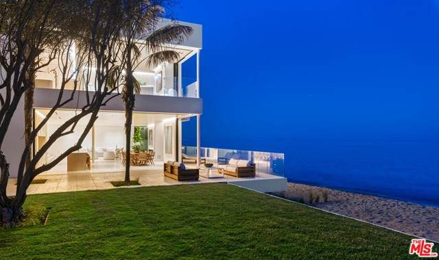 27234 Pacific Coast Highway, Malibu, CA 90265 (#21751058) :: Mint Real Estate