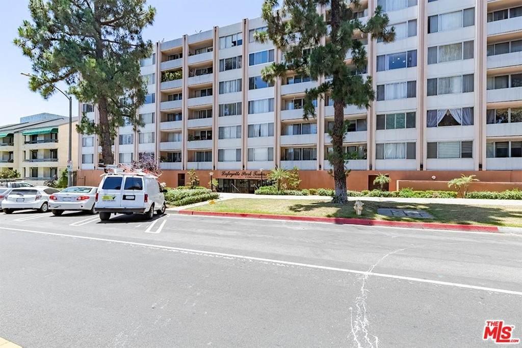 421 La Fayette Park Place - Photo 1