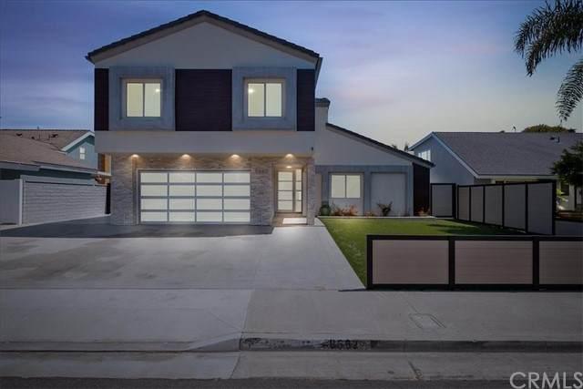 9662 Surfcrest Drive, Huntington Beach, CA 92646 (MLS #OC21131691) :: CARLILE Realty & Lending