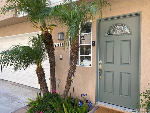 7671 Yorktown Avenue, Huntington Beach, CA 92648 (#OC21134993) :: Mint Real Estate