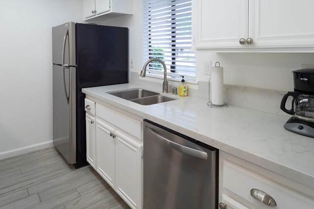 41439 Resorter Boulevard, Palm Desert, CA 92211 (#219063996DA) :: Eight Luxe Homes