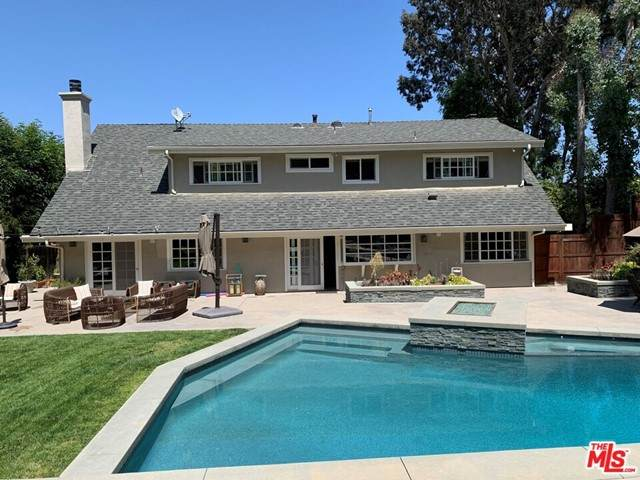 4041 Ellenita Avenue, Tarzana, CA 91356 (#21754190) :: The Laffins Real Estate Team