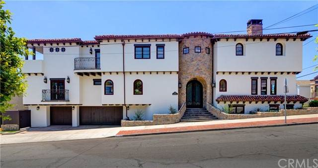 1145 Fisher Avenue, Manhattan Beach, CA 90266 (#SB21142079) :: The Marelly Group | Sentry Residential