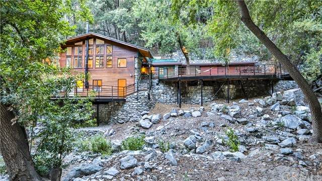 6631 Bear Canyon Road, Mount Baldy, CA 91759 (#CV21146402) :: Robyn Icenhower & Associates