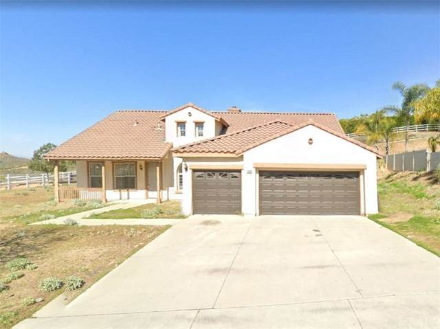 1561 El Paso Drive, Norco, CA 92860 (#PW21158101) :: The Miller Group