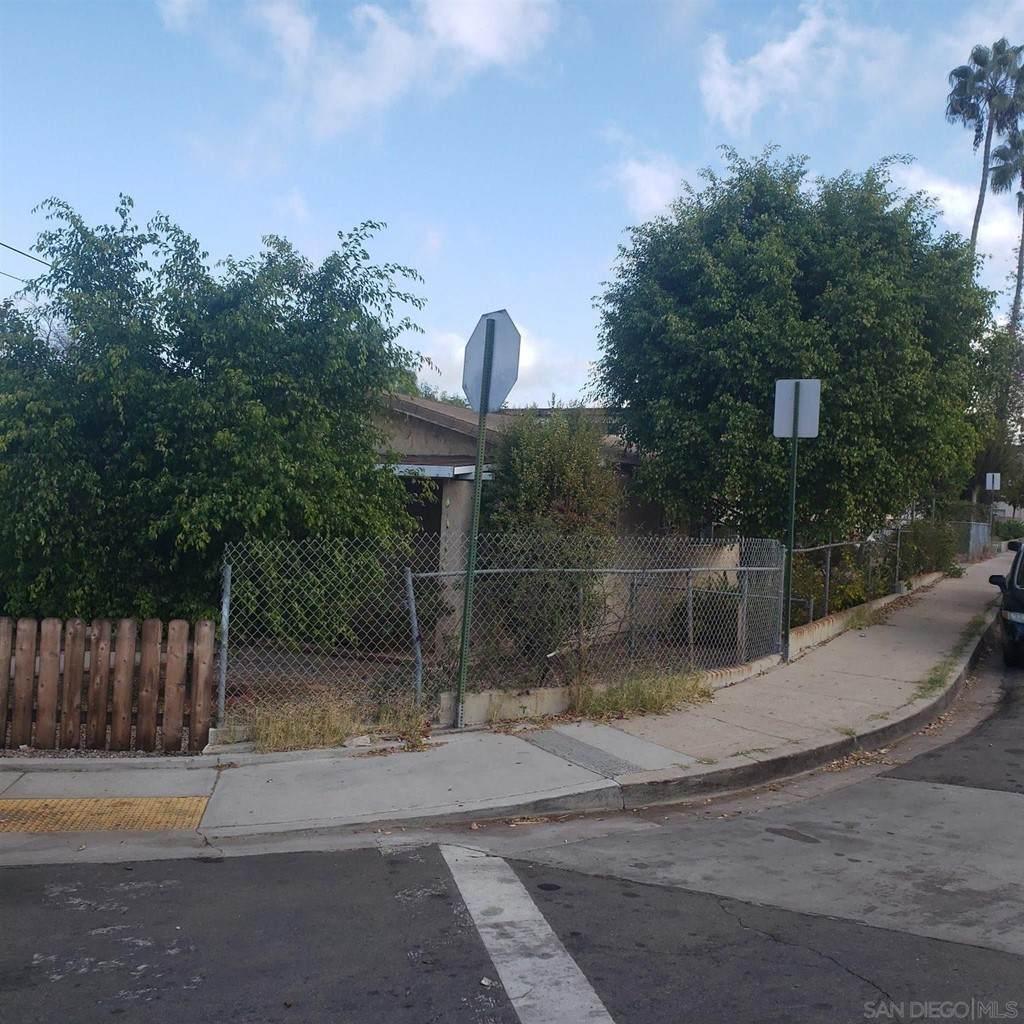 4451 Parks Ave - Photo 1