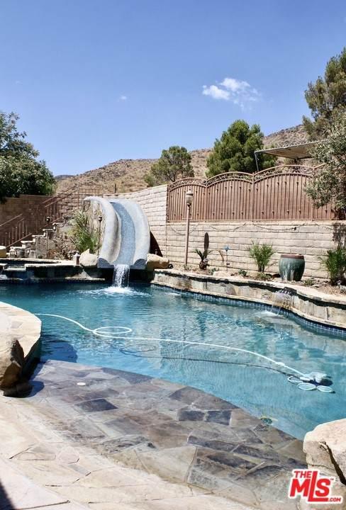 35761 Bass Rock Road, Agua Dulce, CA 91390 (#21766936) :: Steele Canyon Realty
