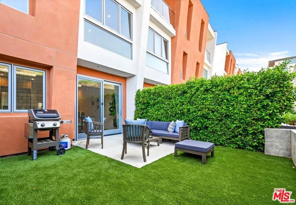 1035 Figueroa Terrace - Photo 1