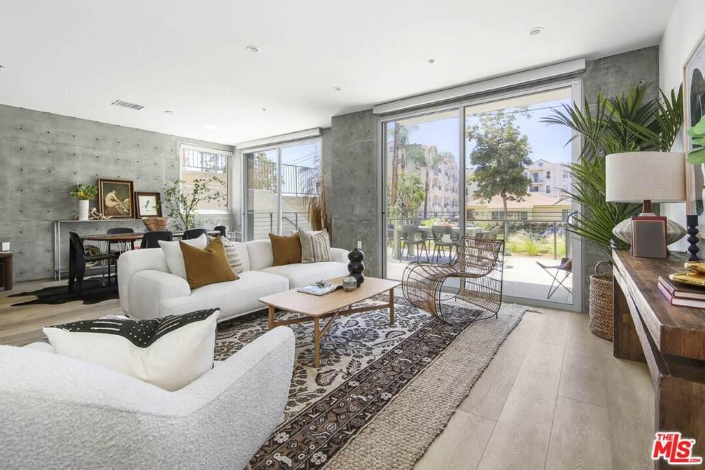 957 Figueroa Terrace - Photo 1
