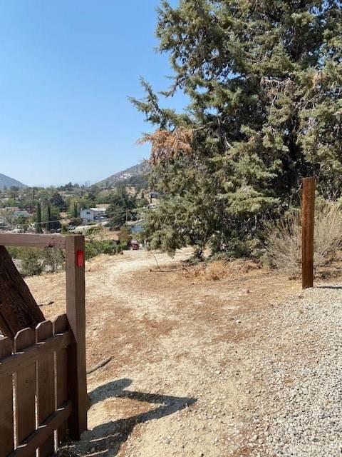 4102 Pico, Frazier Park, CA 93225 (#SR21208733) :: Latrice Deluna Homes