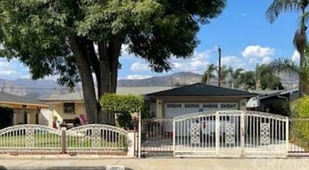 919 E Mauna Loa Avenue, Azusa, CA 91702 (#CV21209356) :: Corcoran Global Living