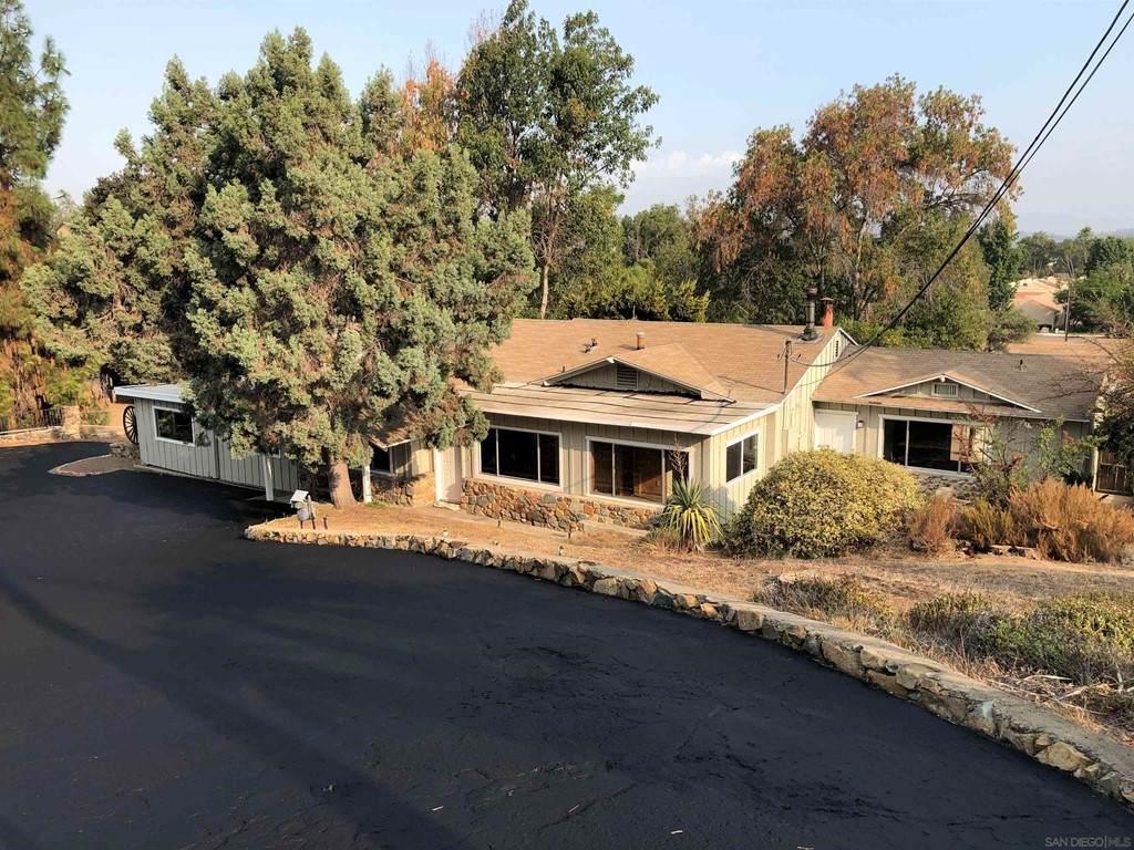 1546 Vista Del Valle Blvd - Photo 1
