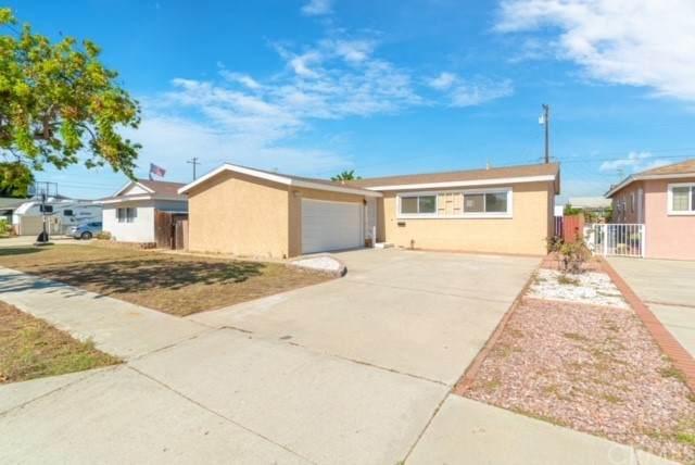 203 W 226Th Pl, Carson, CA 90745 (#SB21229520) :: RE/MAX Empire Properties