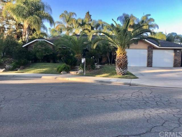 374 E Feather River Drive, Fresno, CA 93730 (MLS #FR21229733) :: Desert Area Homes For Sale