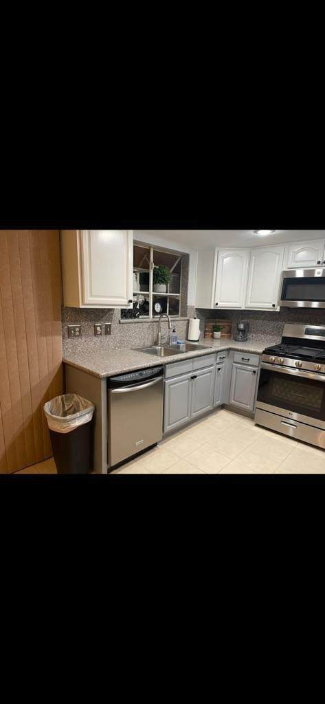 13505 Cielo Azul Way, Desert Hot Springs, CA 92240 (#219069469DA) :: Mint Real Estate