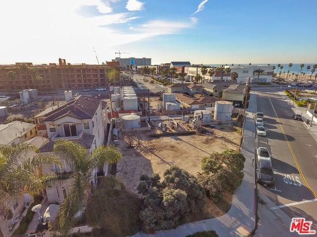 202 2nd Street, Huntington Beach, CA 92648 (#17206030) :: Z Team OC Real Estate