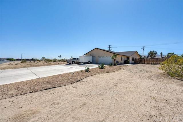 58445 Palisade Drive, Yucca Valley, CA 92284 (#IV21093049) :: McKee Real Estate Group Powered By Realty Masters & Associates