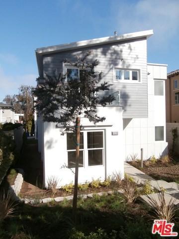 8238 W 83rd Street, Playa Del Rey, CA 90293 (#17245156) :: Erik Berry & Associates