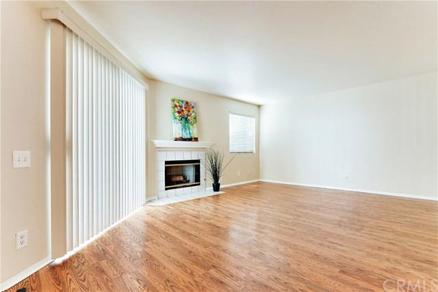 3605 E Anaheim Street #310, Long Beach, CA 90804 (#PW17183179) :: Keller Williams Realty, LA Harbor