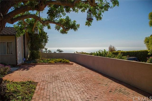 1609 Temple Hills Drive, Laguna Beach, CA 92651 (#LG17193779) :: DiGonzini Real Estate Group