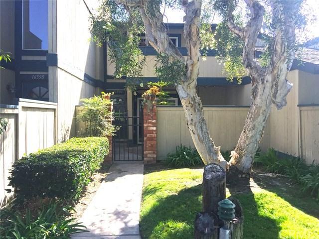 16596 Algonquin Street #33, Huntington Beach, CA 92649 (#OC17247710) :: Kato Group