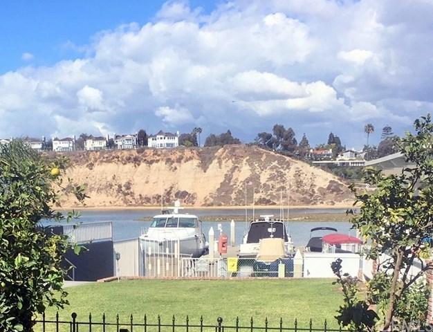 30 Saratoga #30, Newport Beach, CA 92660 (#NP18040213) :: DSCVR Properties - Keller Williams