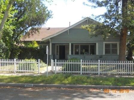 2106 N Ferger Avenue, Fresno, CA 93704 (#MD18022217) :: Impact Real Estate
