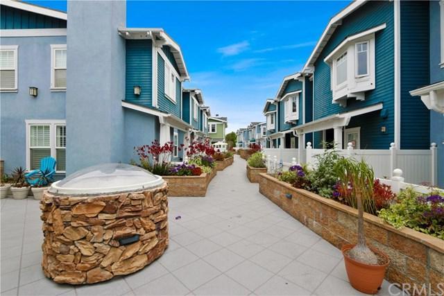 229 Aviation Place, Manhattan Beach, CA 90266 (#PV18111683) :: RE/MAX Empire Properties