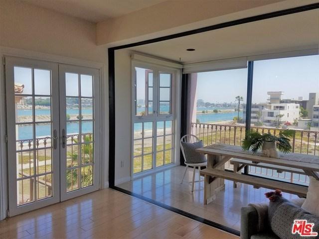 6220 Pacific Avenue #303, Playa Del Rey, CA 90293 (#18353770) :: Team Tami