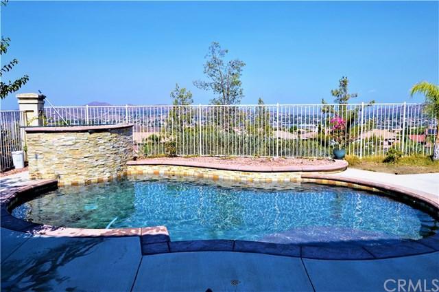 11 Ponte Negra, Lake Elsinore, CA 92532 (#PW18186875) :: RE/MAX Empire Properties
